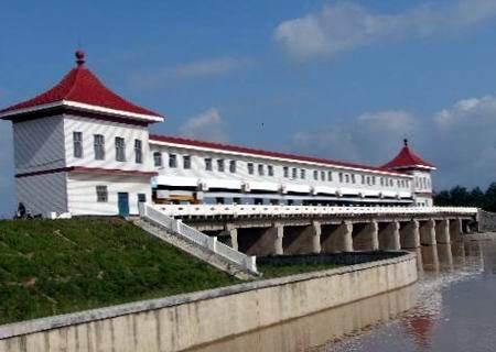 洪河屯亚龙湾风景区