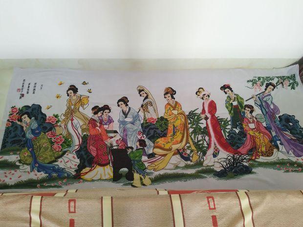 我有一幅绣好的红楼梦十二金钗十字绣成品,尺寸规格:2.5x1.