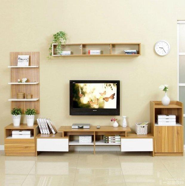 通常,客厅电视柜有钢木结构,玻璃 钢管结构,板式结构和实木结构等一