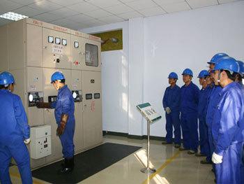 变压器,互感器 8.单相电表,三相电表 9.电动机 10.电工仪表的使用 10.