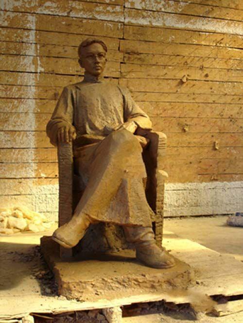 铁路工人建设雕塑