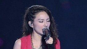 我们的爱 (大地飞歌2012现场版)