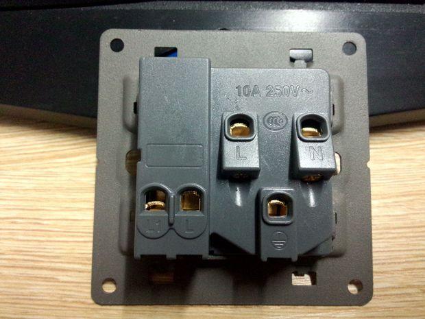 一开5孔插座怎么正确接电峡最好能传一张接线图,谢谢!