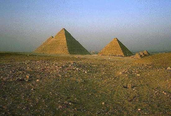 胡夫大金字塔远景